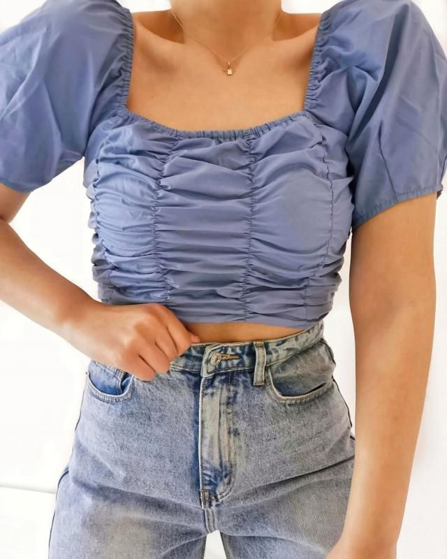 ♥ Get this beautiful  crop top! Looks amazing and fits perfect!♥