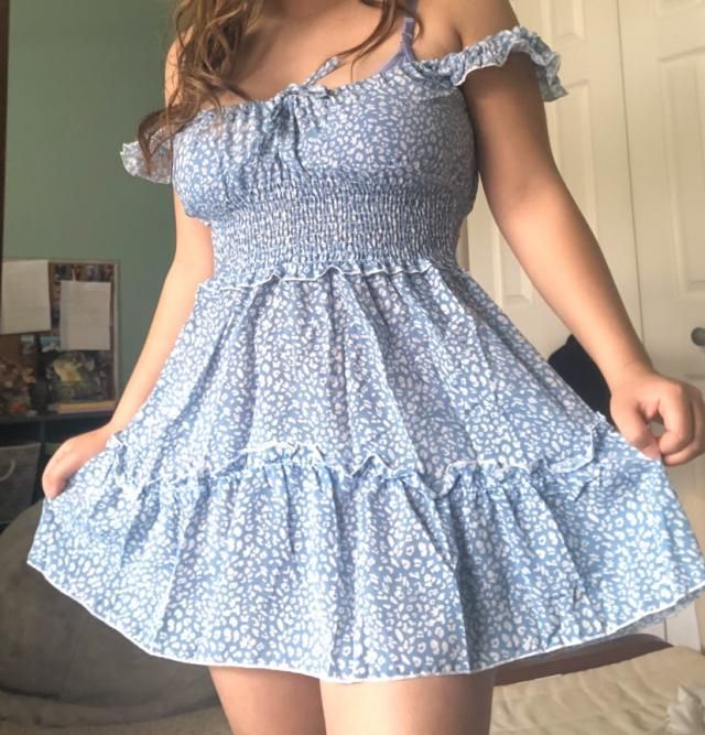 I got a small and I really like this dress! Perfect for summer. The fabric is a bit light but not fully see through so…