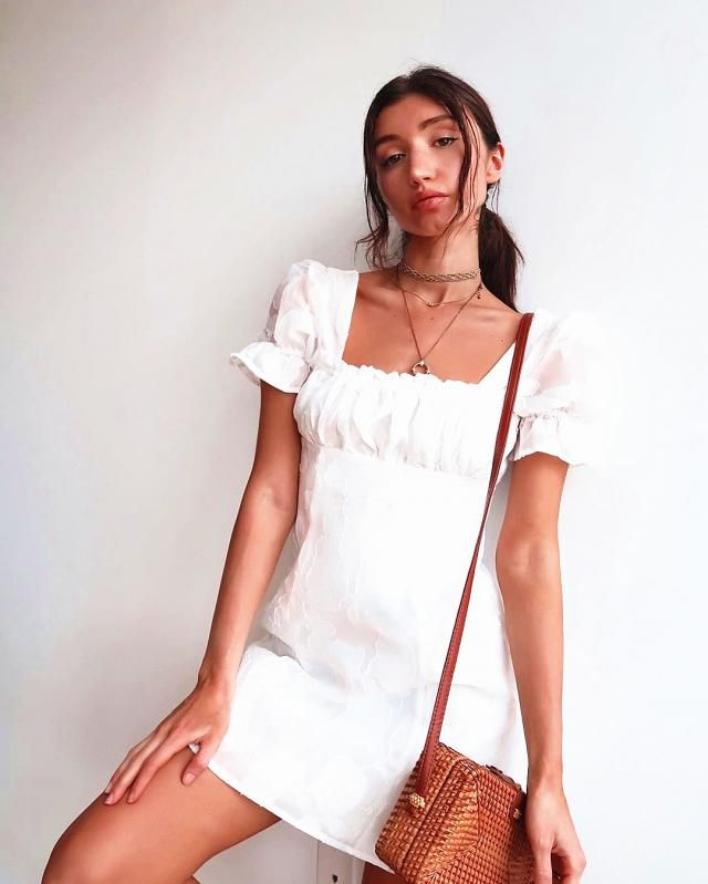 ♥Beautiful summer white dress! its so cute and looks amazing for pictures!♥