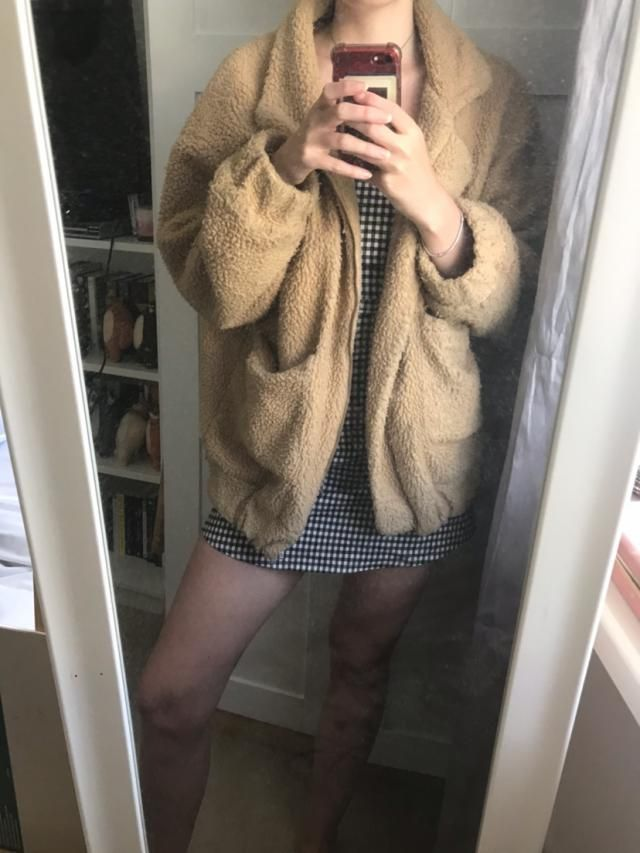 Absolutely LOVE this jacket! I've had it for a few years now and it's still in good use. I ordered a Medium (I'm usual…