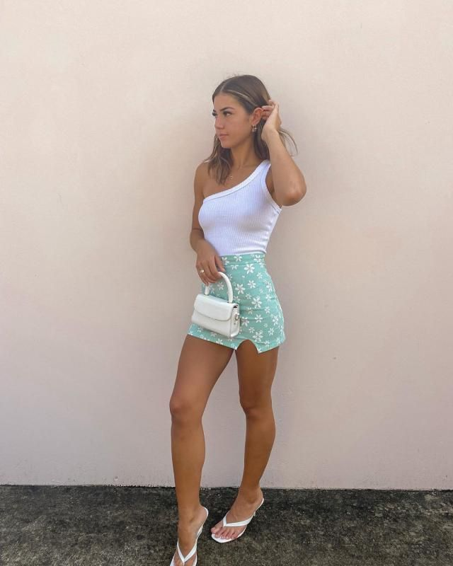 ZAFUL Crop One Shoulder Tank Top A cute one shoulder top with mini skirt.