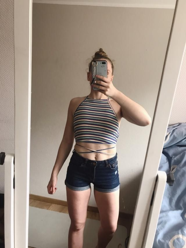 Super cute, I love this cut. Material is a little bit more stretchy than in other tops of this type