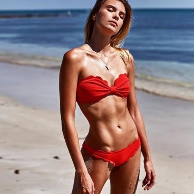 ZAFUL Scalloped Bikini Swimsuit  A perfect scalloped bikini swimsuit . Shop at Zaful!