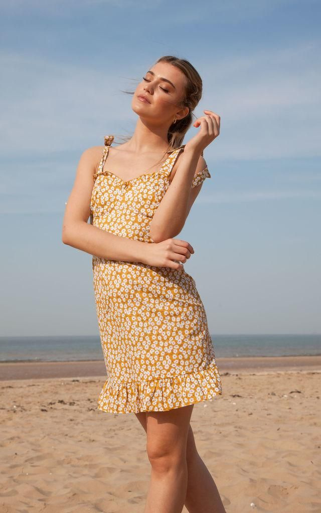 ZAFUL Ditsy Print Frilled Cami Mini Dress   Perfect style for you.Trendy summer fashion. Shop at Zaful!