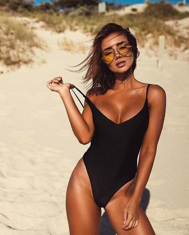 V-notch Ribbed Low Back One-piece Swimsuit