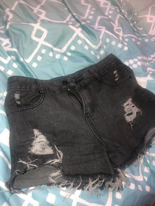Super cute Fits well Love it Looks exaclty like the pictures  True to size I got a size Small