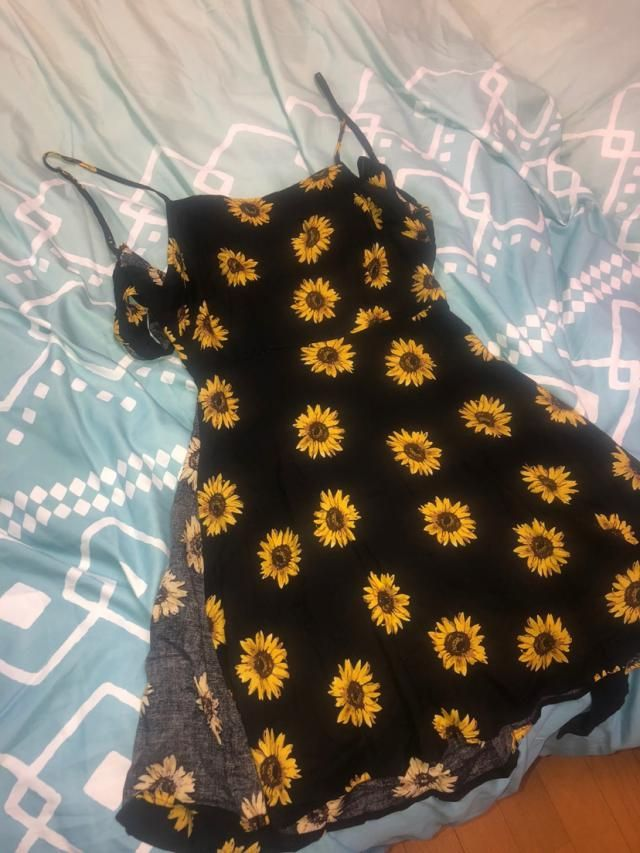 Super cute Fits well Love it Looks exaclty like the pictures  True to sizeI bought a size Small