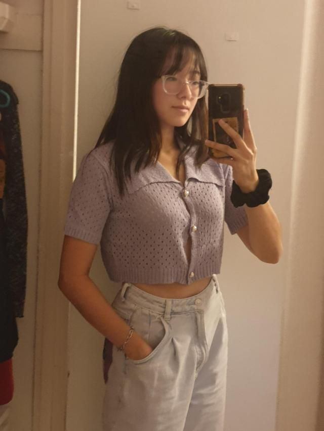 Really flattering oversized and I love the colour :) the collar was bigger than I expected but still looks cute. the b…