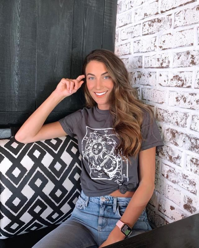 How cute is this zaful graphic tee? do you believe in ? & if so, whats your sign?♥