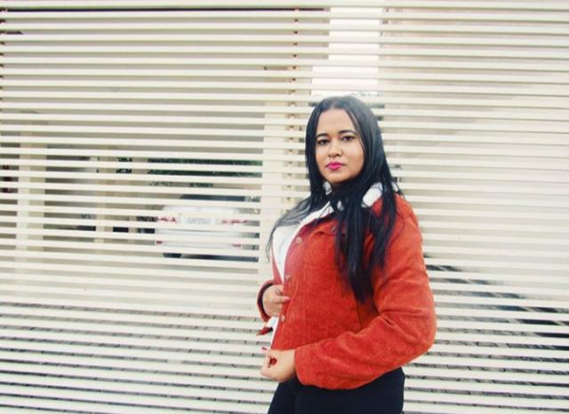 Confortável e de material fantástico,amei essa jaqueta ela parece muito com a foto.