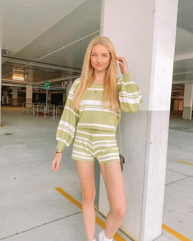 Stripes green set to stay warm! get this cute set here!!♥