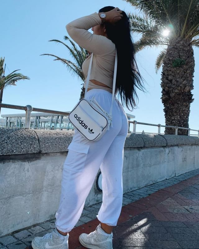 I love cargo pants and this one its so pretty and so amazing!♥