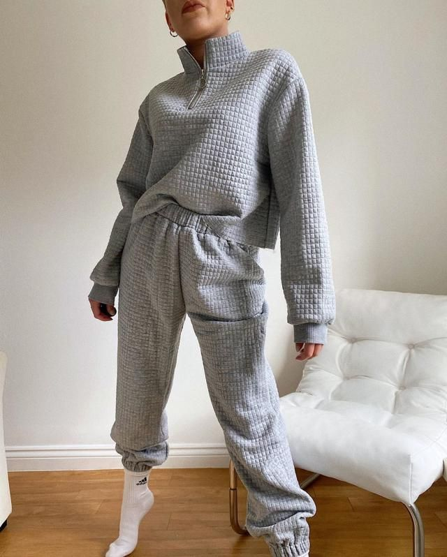 this gray sweater its the real meaning of cozy!!! get it here for this fall!!!♥