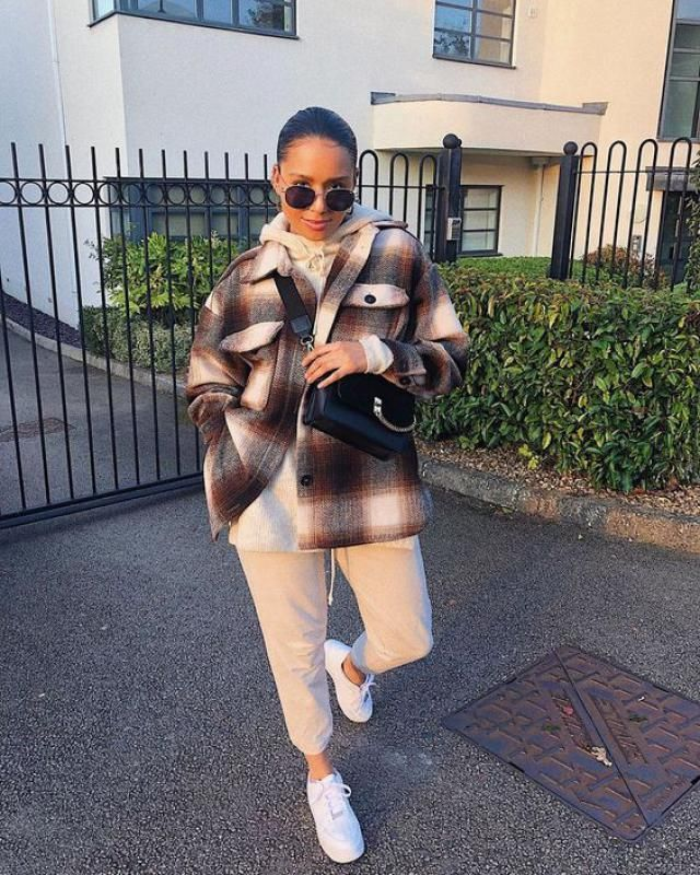 Button Up Plaid Tweed Cargo Coat  Cute confortable street outfit from Zaful. BUY HERE!