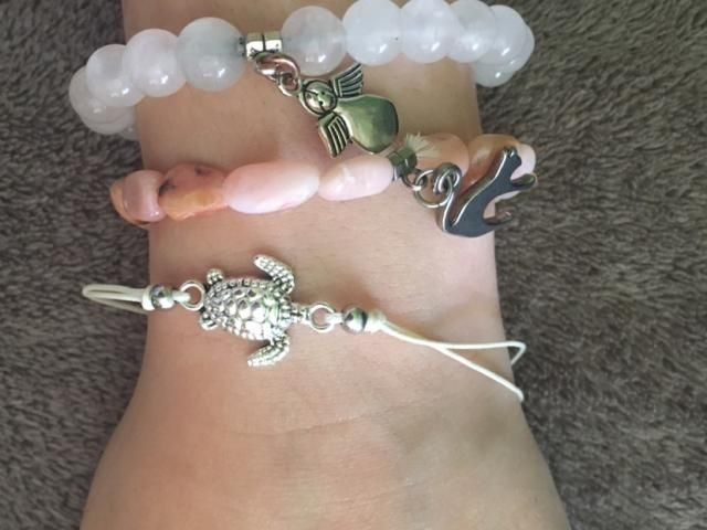 Super cute bought it for my mom she loved it. I wanted to use it as a bracelet but that doesn't really work ..but it's…