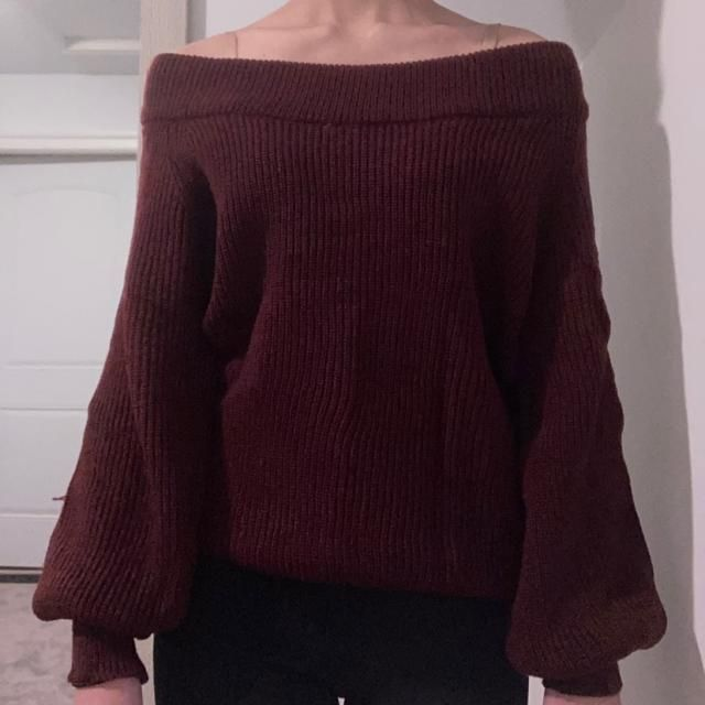 This sweater is a lot softer than I expected it to be. It's not itchy at all and is really stretchy, so I think it cou…