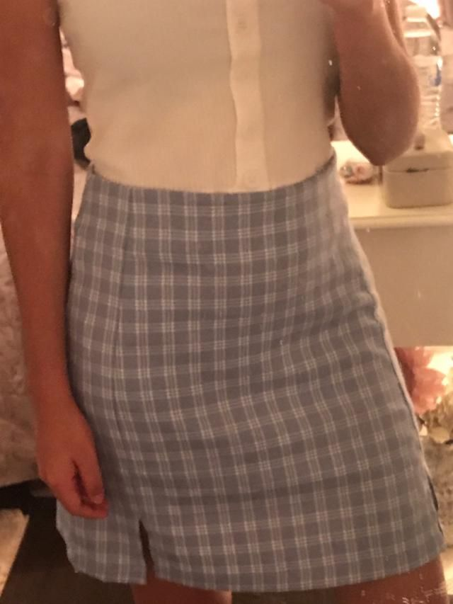 It's cute! I just have to adjust it but overall very stylish.