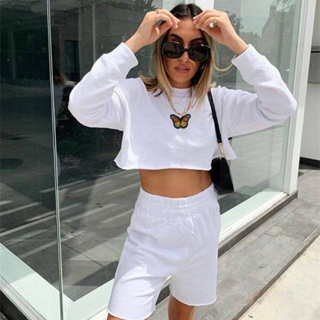 Sparkly Butterfly Print Contrast Trim Crop T-shirt Wonderful butterfly print crop T-shirt . BUY HERE! ZAFUL IS THE BES…