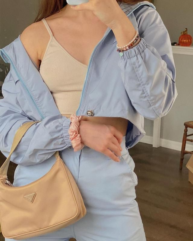 For those fall rainny days this blue jacket its ideal!♥