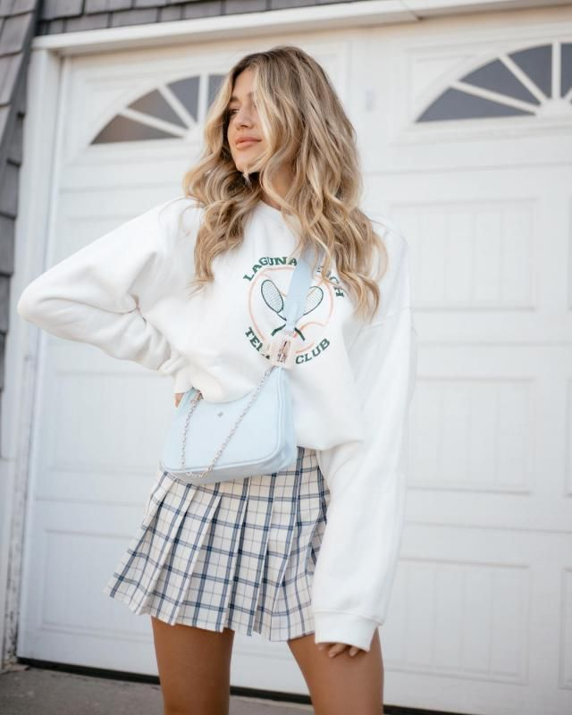 Fantastic  sweatshirt with pleated skirt. Buy Here ! Large selection of clothes for autumn and winter in Zaful.
