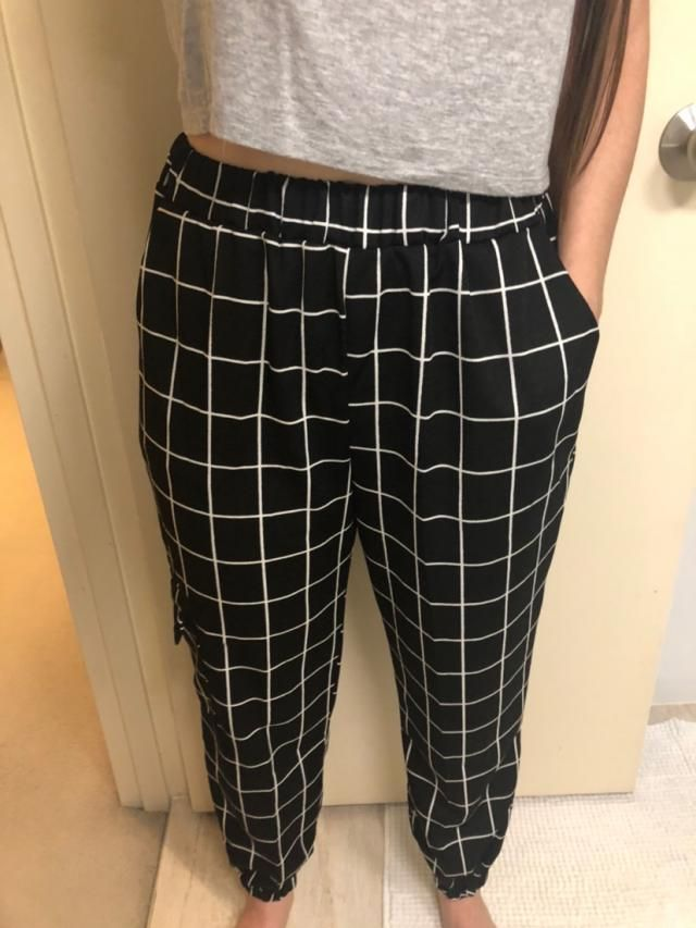 Great lightweight pants. Large was a bit loose on waist, medium was sold out. Happy with purchase, easy to style. will…