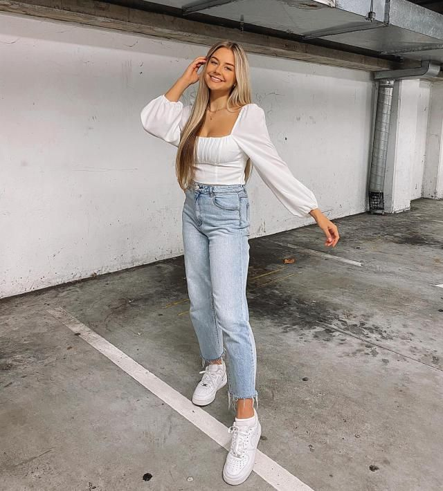 ZAFUL Square Neck Ruffles Crop Blouse  Wonderful crop blouse with jeans ,colection of clothes for autumn and winter in…