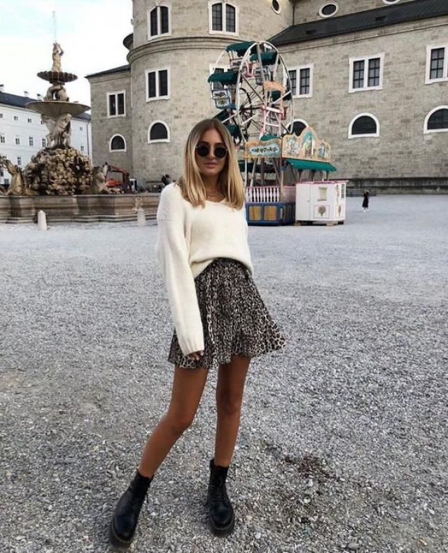 A perfect sweater with mini skirt from Zaful..