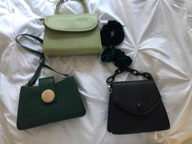 Absolutely adorable and a very nice sized purse. Enough to fit the essentially and add a pop of color to your wardrobe…