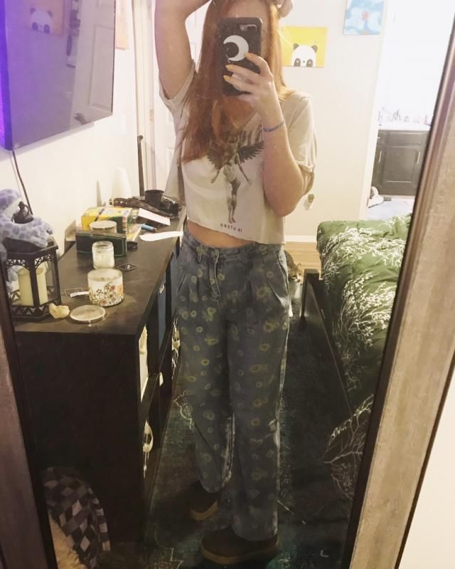 LOVE THESE PANTS SO CUTE OMG! And they're super soft jean material