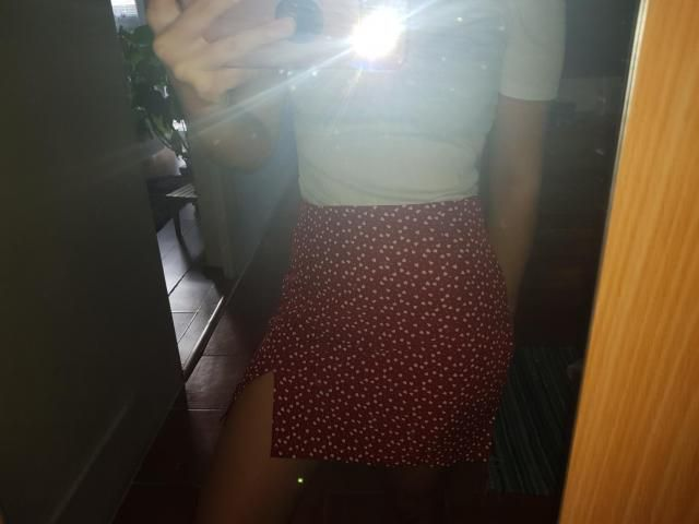 the skirt is really lovely, fits very well and looks awesome!
