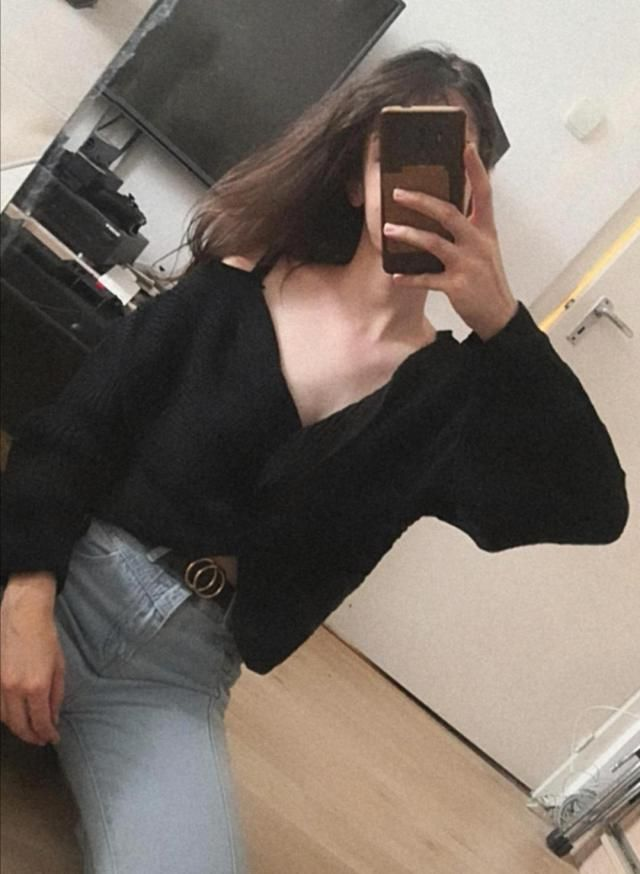 Wow, i love this sweater, it&;s very warm and not itchy. I am usually a size S and i ordered an M because i wanted it …