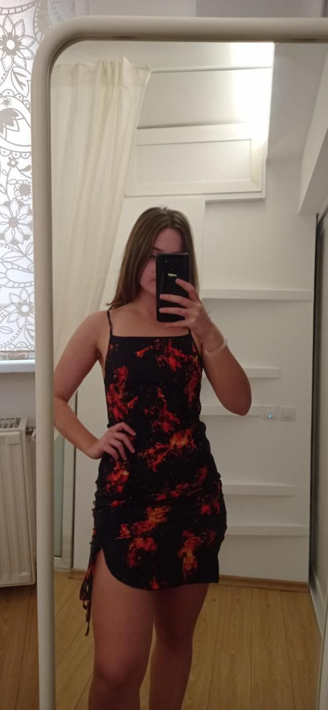 omg so hot  so comfortable and of fantastic material ,not seethru at all ,i got a size medium but im have a small wais…
