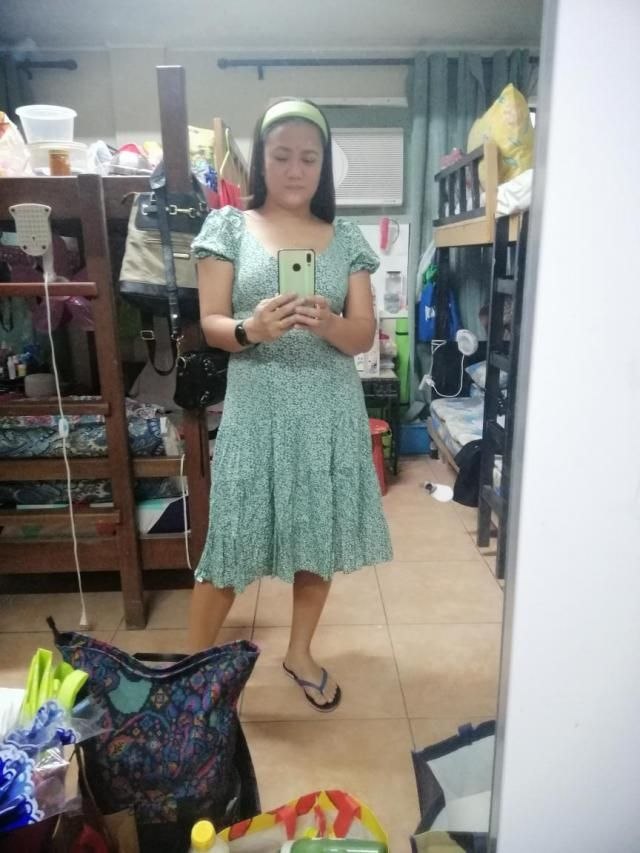 I love the dress,  True to size and fits well  Looks exaclty like the pictures  Comfortable and of fantastic material