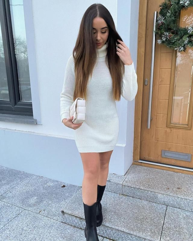 CHRISTMAS ITS AROUND THE CORNER!! Get this amazing sweater dress, perfect for this season!♥