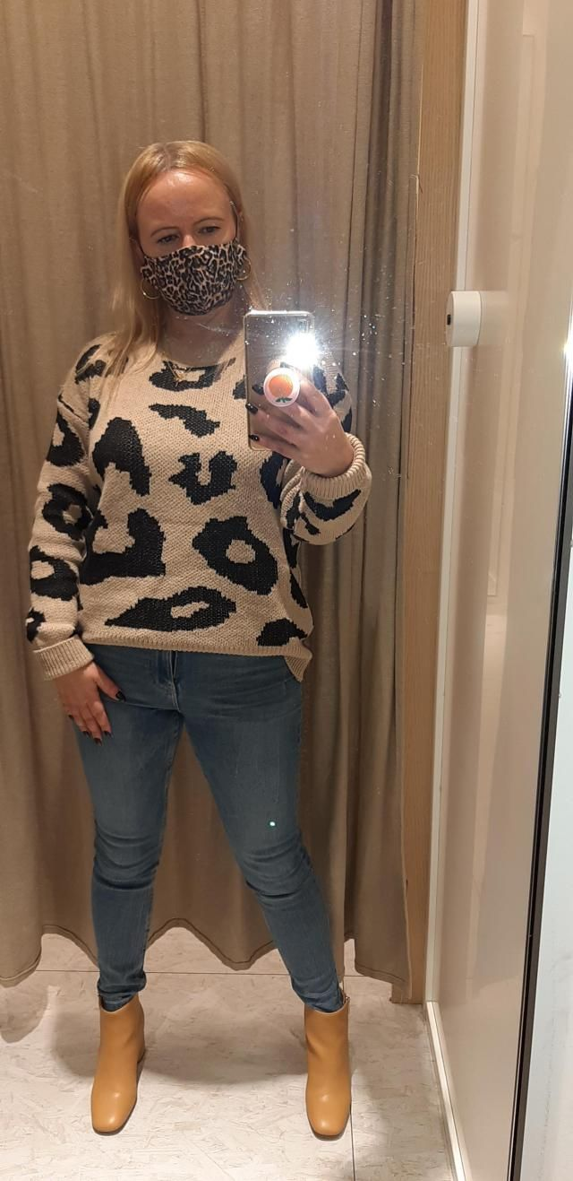 I like the style and it&;s warm and comfy. Material a bit loose and sleeves not so loose...But it makes a show. For a …