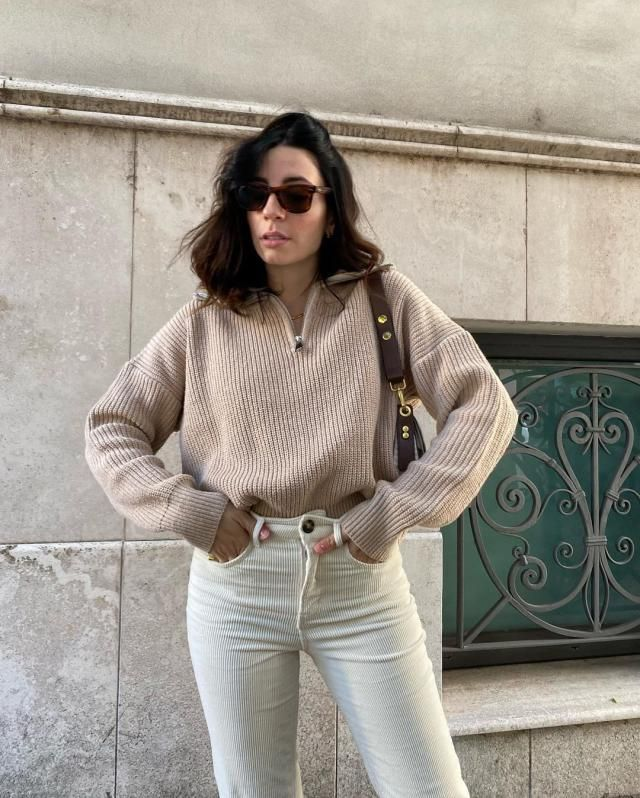 For an minimalist outfit you really need this Elasticated Trim Half Zip Knit Sweatshirt! get a similar here in ZAFUL!  …