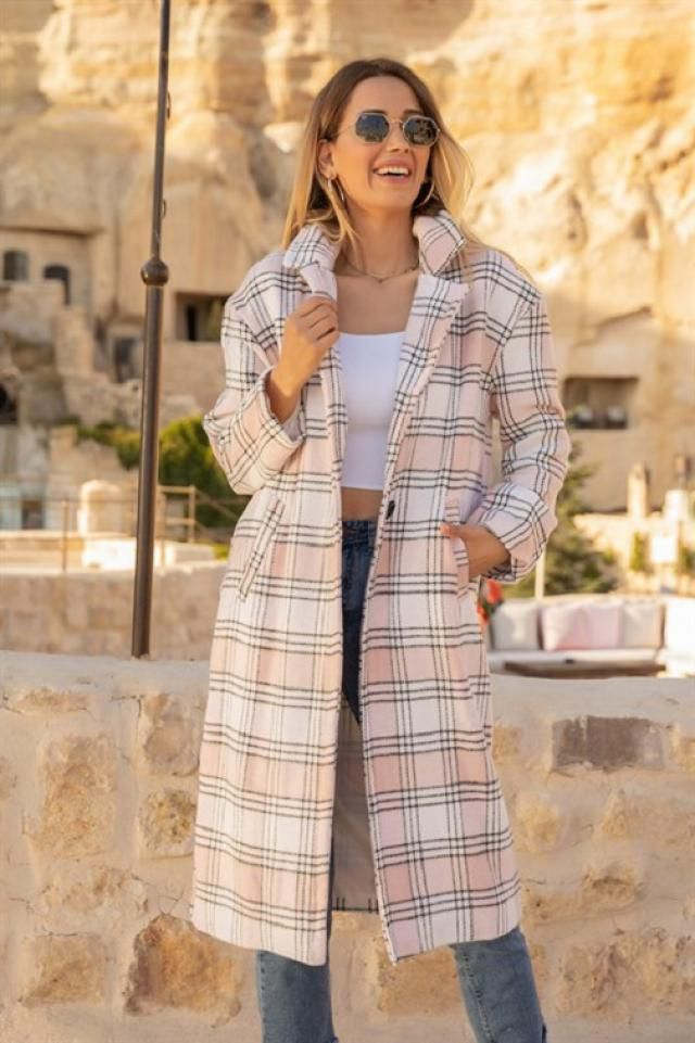 ZAFUL Plaid Pocket Lapel Longline Coat Beautiful plaid coat with jeans, only in Zaful.