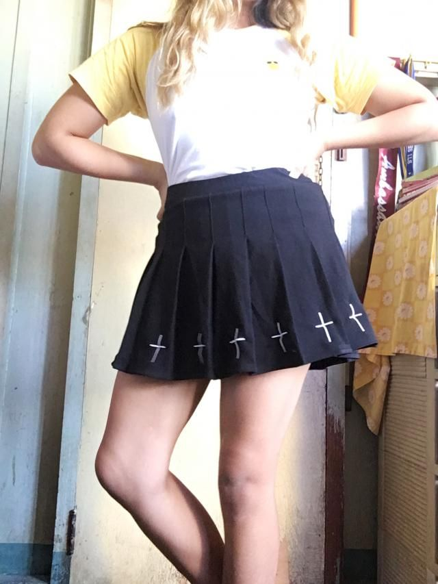 shorter than advertized. very stretchy and comes with shorts. Goes with anything Definitely recommend Looks exaclty li…