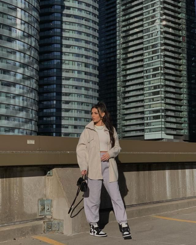 wohooo Sporty and comfy these days, how about you? get this pretty minimal coat here in ZAFUL!♥