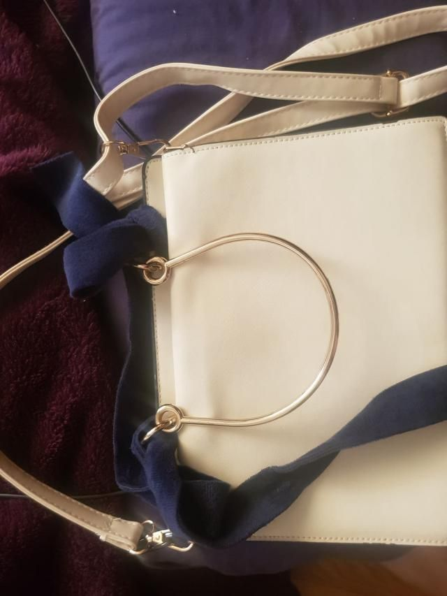 The bag looks so cute and surprisingly its quite big, I could fit in a lot of things. The ribbon feels so soft and it …
