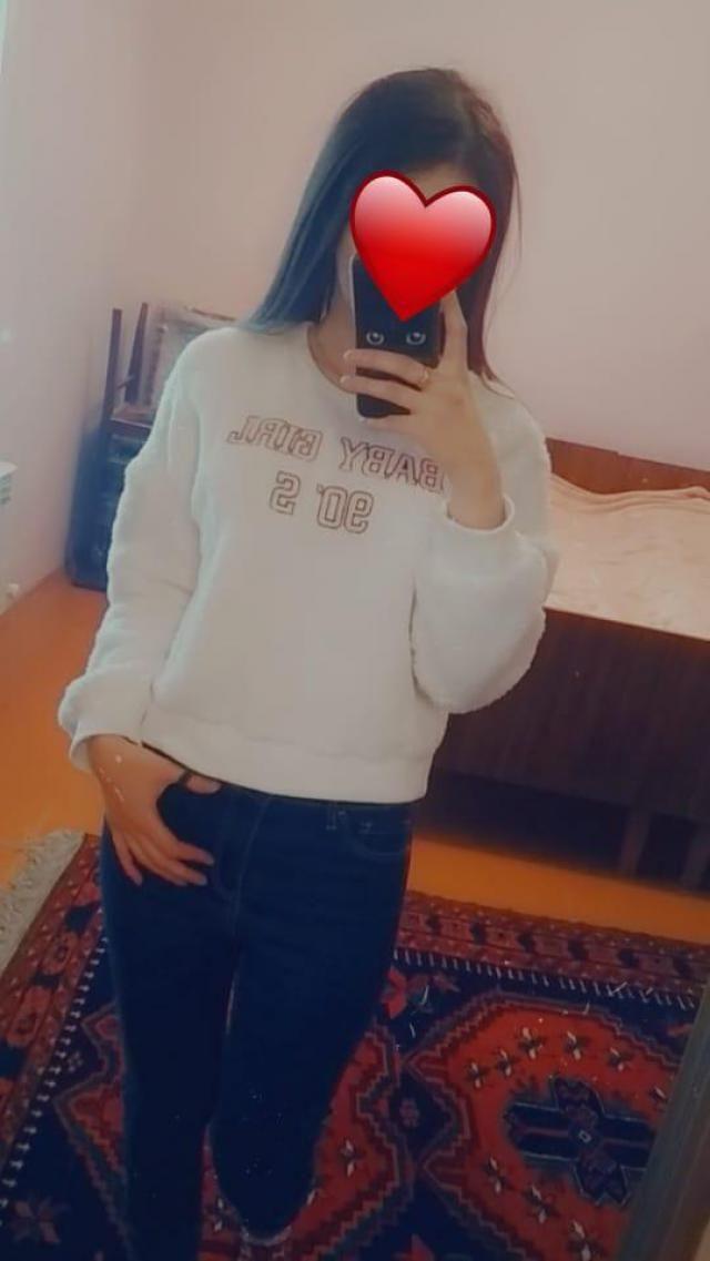 Брала в подарок сестре, дошло за 20 дней до Дагестана, очень тёплый и мягкий, сел идеально, сестра довольна, спасибо…
