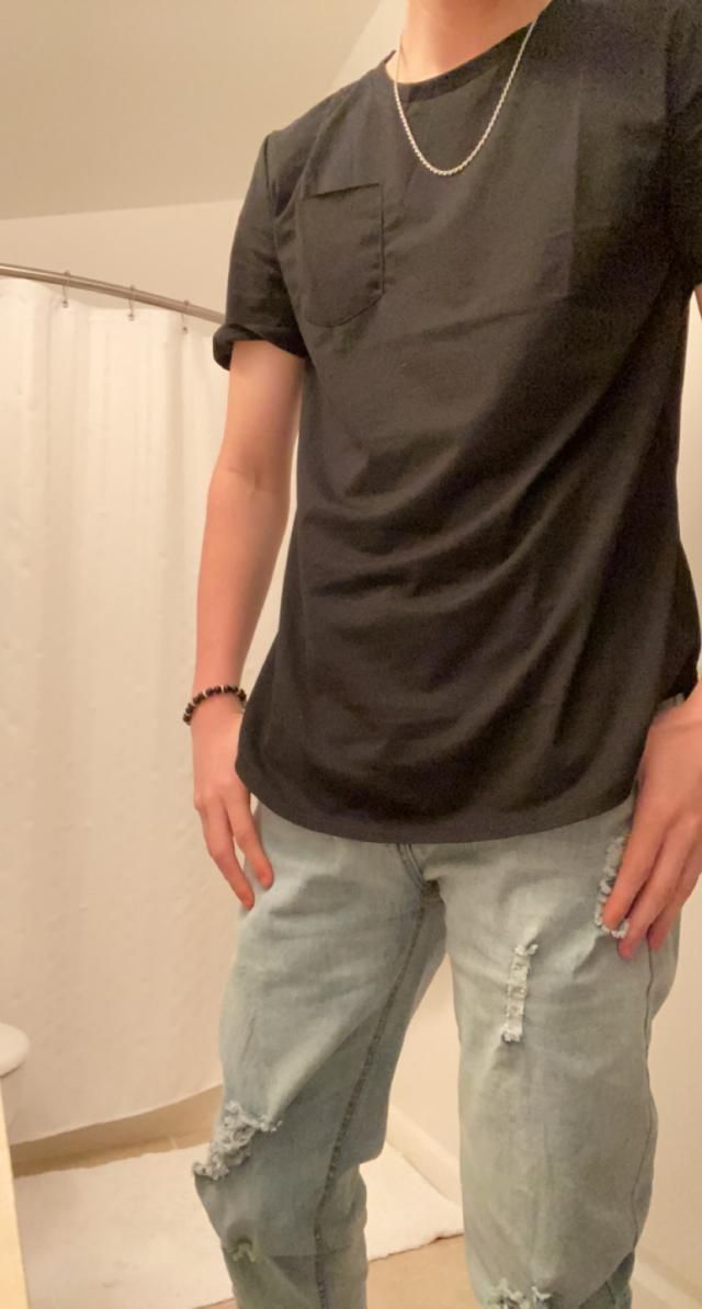 Easily the best pants I've gotten on this app. Perfect size, Looks exaclty like the pictures, and best of all they are…