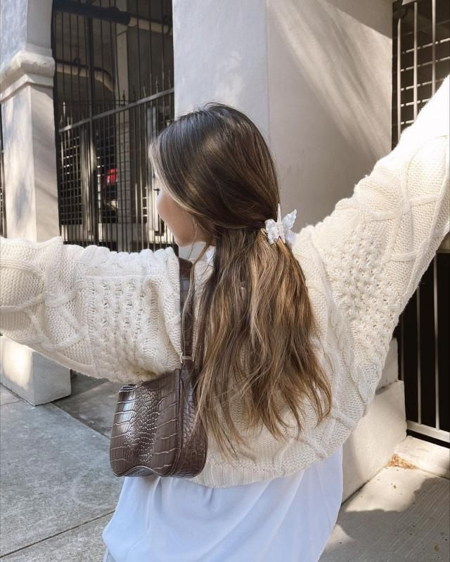 Knit sweater are the best option for this season! so warm and pretty!♥