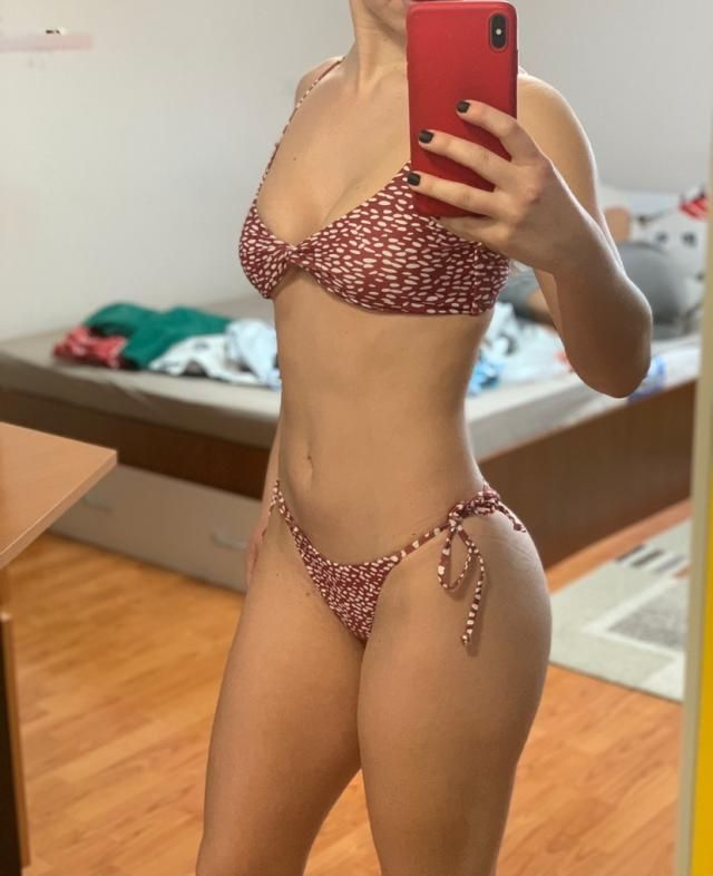 Love it Comfortable and of fantastic material Looks exaclty like the pictures . I took the M but usually i am an S siz…