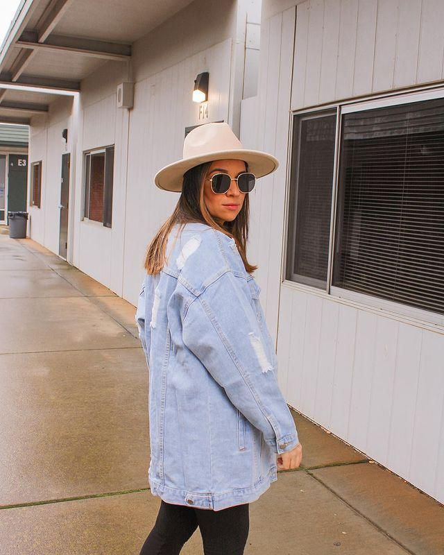 Everyone needs a nice Denim Jacket!! and I'm in love with this one from zaful!!