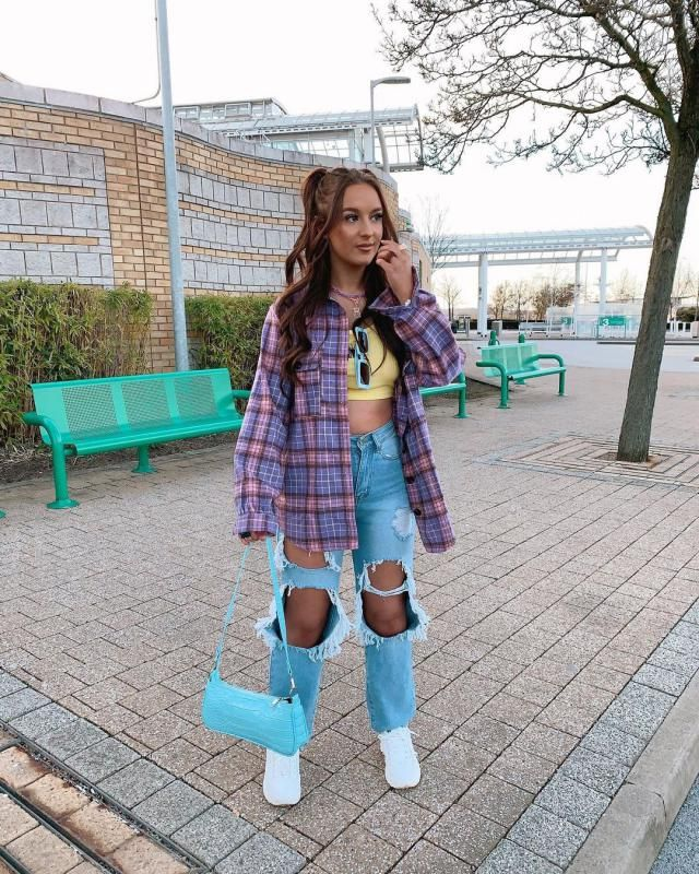 Spring outfit! get this cute Flap Pockets Plaid Tartan Flannel Shacket here in ZAFUL!♥