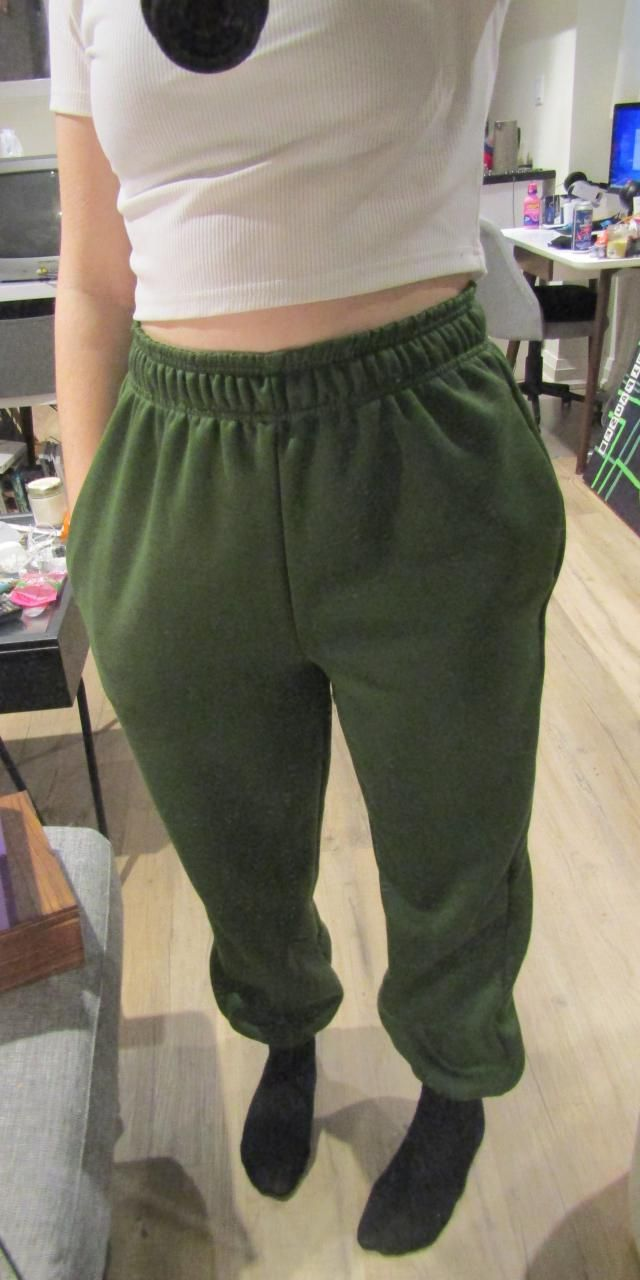 Great sweatpants. Already had them in brown and simply needed another one of these! Very soft and comfortable while st…