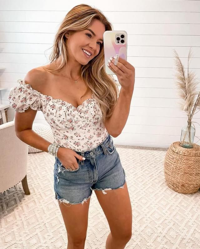 Ditsy Print Lace-up Puff Sleeve Crop Blouse