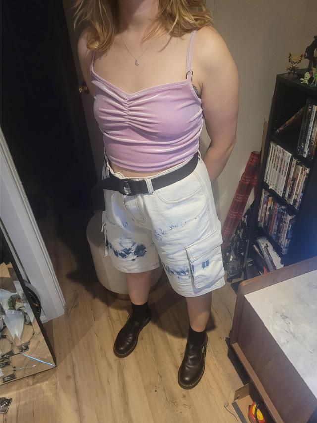 My favorite pair of shorts by FAR. No thighs rubbing together, huge pockets, cute design. Bought it a size up to give …