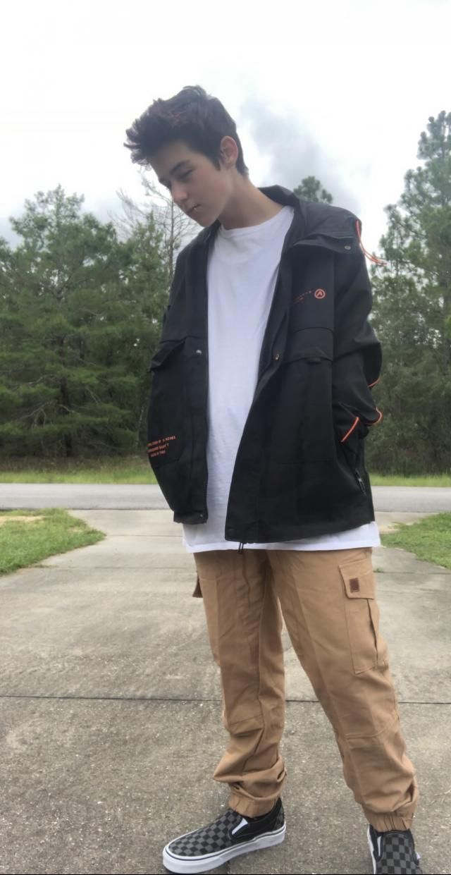 Very good jacket. Higher quality than I expected. Fits well and looks good. Overall very satisfied with this purchase.